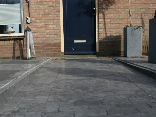 Chinees hardsteen terrastegels Gothic 60x60x2,5cm