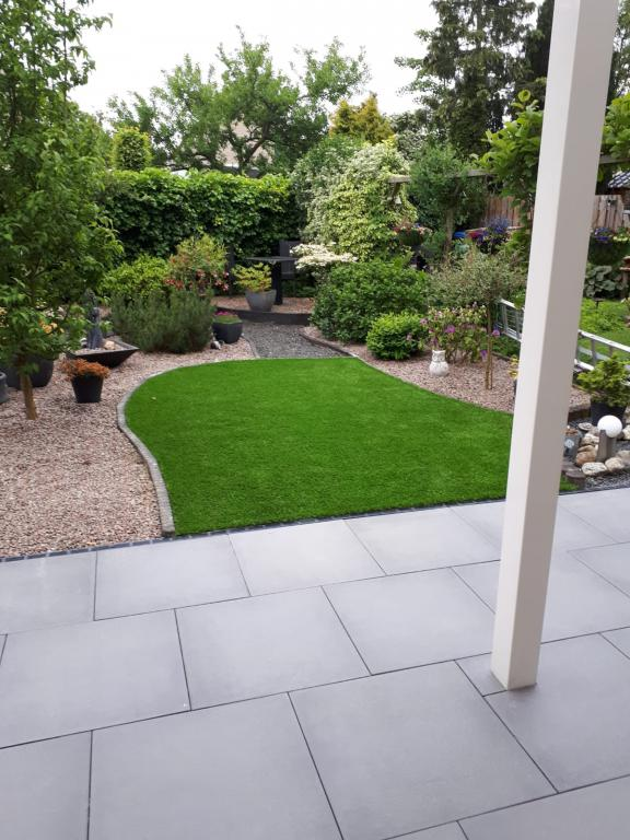 Tuinhout Centrum project - Complete tuin aangelegd